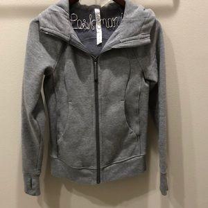 EUC Lululemon Size 2 Grey Scuba Jacket💗